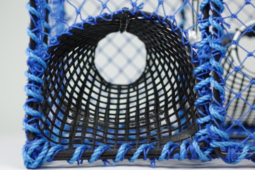kräftburar blå plast